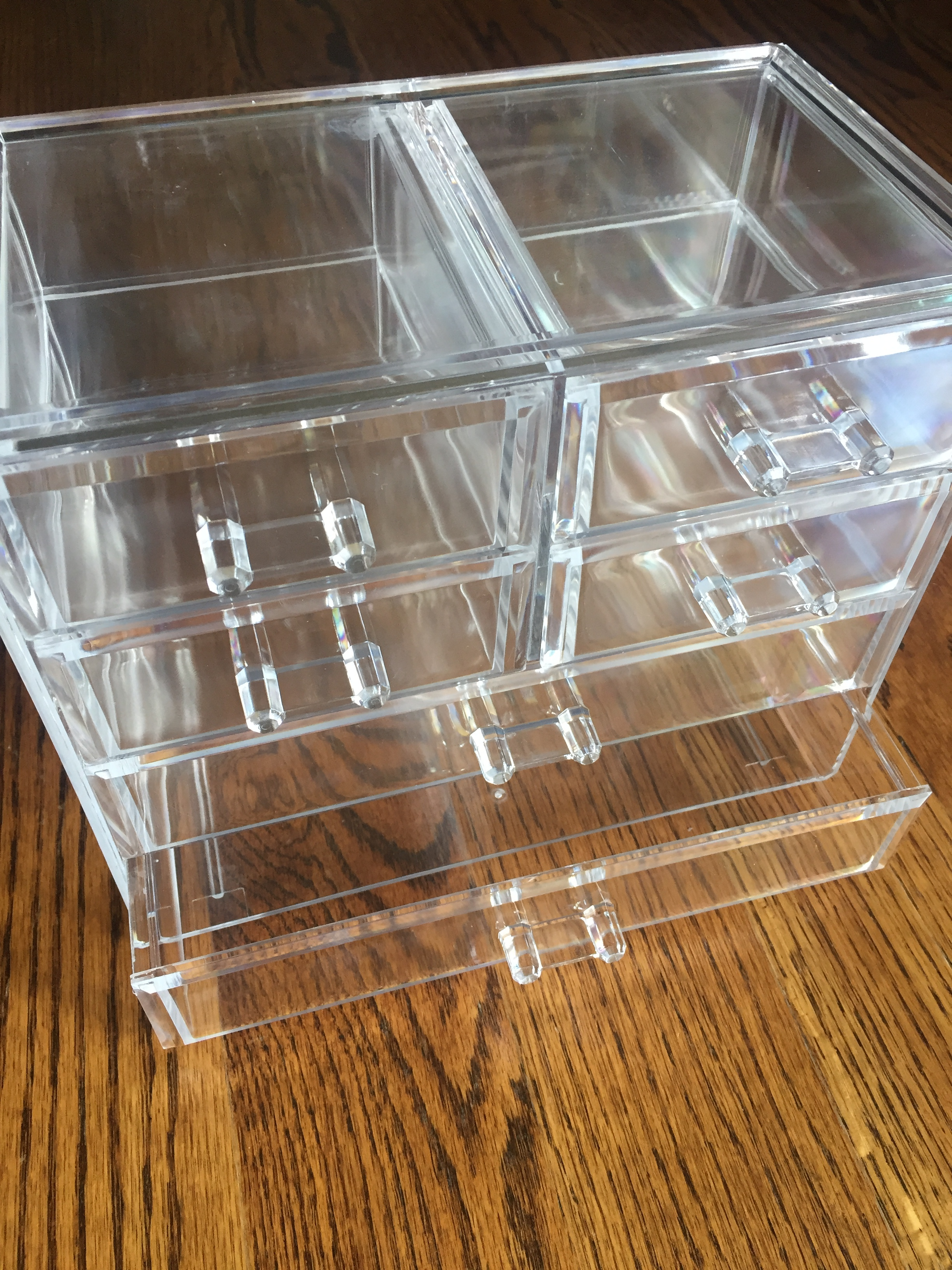 Similar Storage Boxx  here