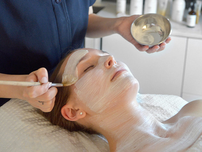 hydrating mask for anti ageing at reveal skin and body