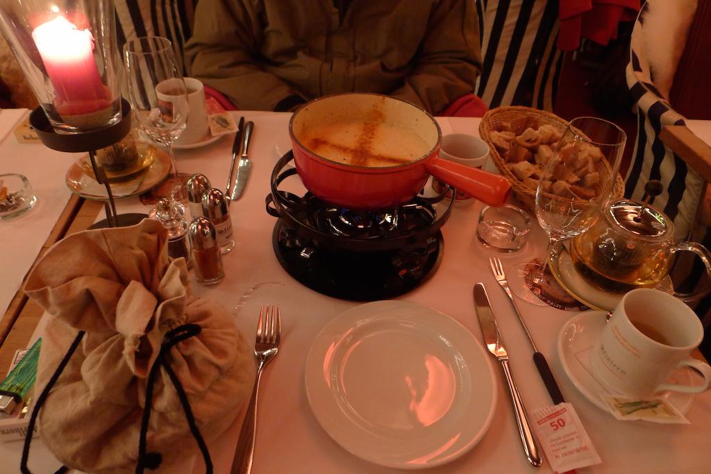 Garlic Cheese Fondue