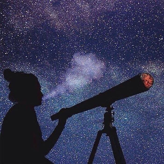 Tonight is the perfect night to sit back relax, and enjoy the stars ... with a little help from your friends 😉. Regram from @psy.mind_