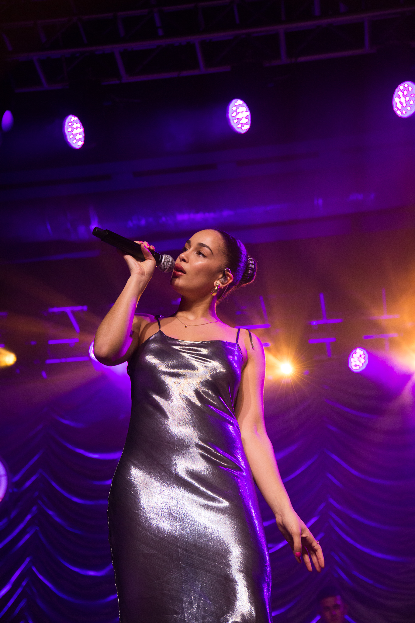 jorja smith in phoenix, arizona in december 2018 - 2
