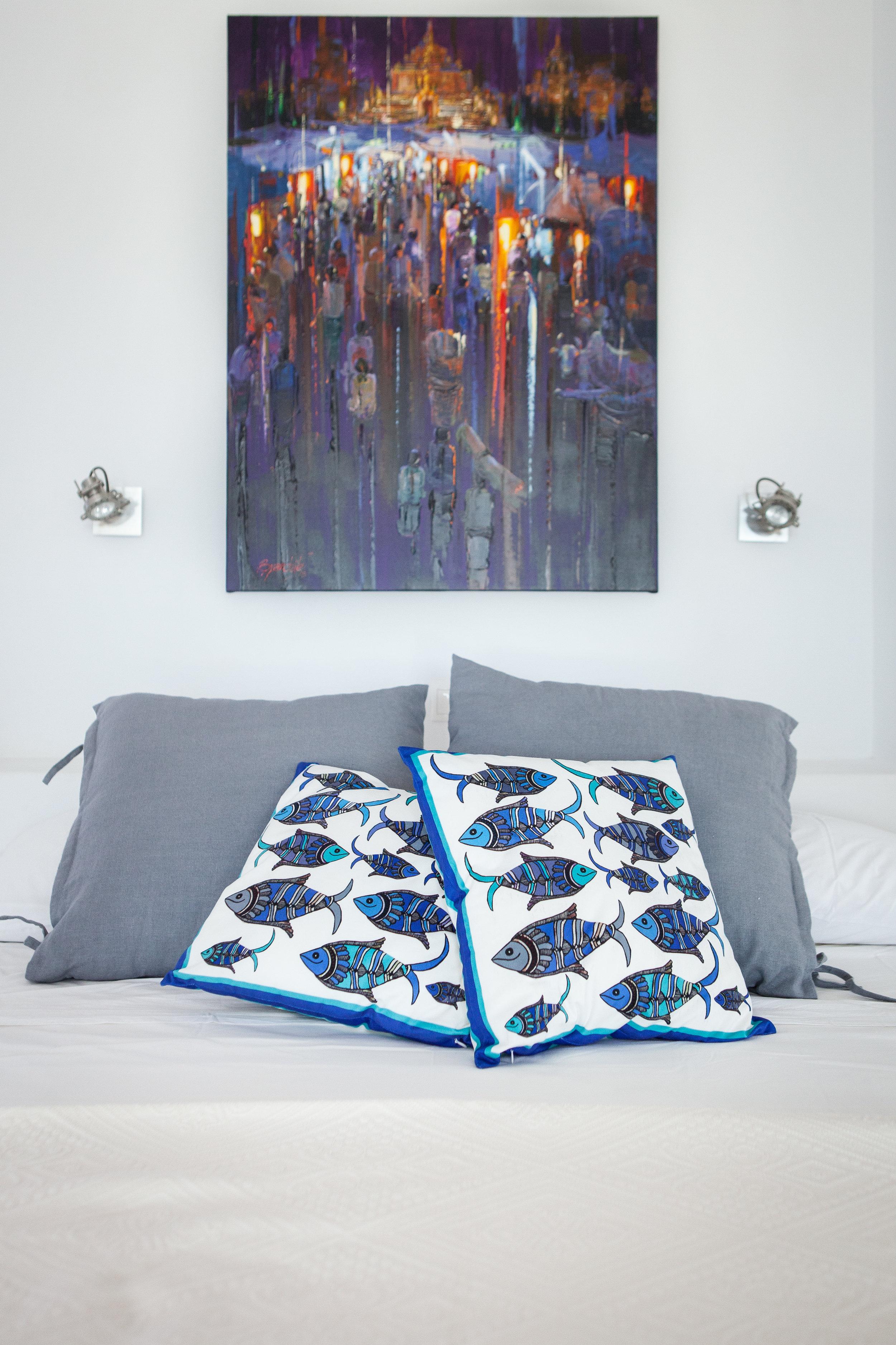 Master bedroom l.JPG