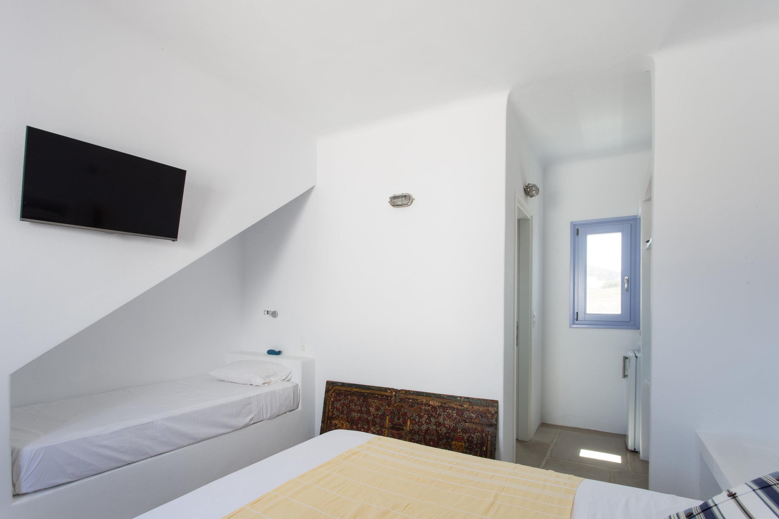 35. Room 1.JPG
