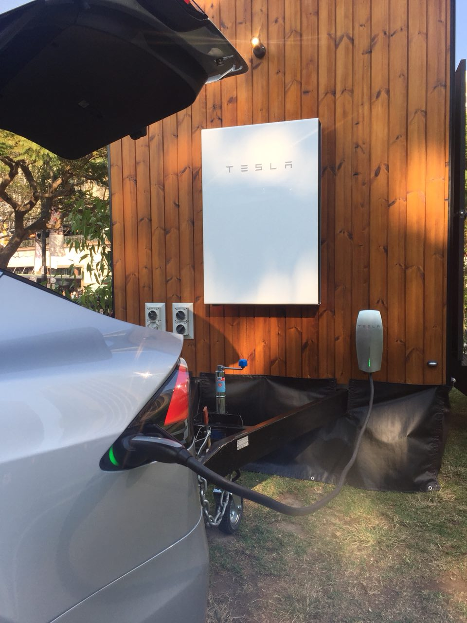 CHARGING THE CAR from the Powerwall!!!