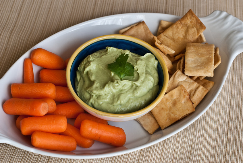 creamy-avocado-lime-dip-with-carrots-and-pita-chips-846xAuto.jpg