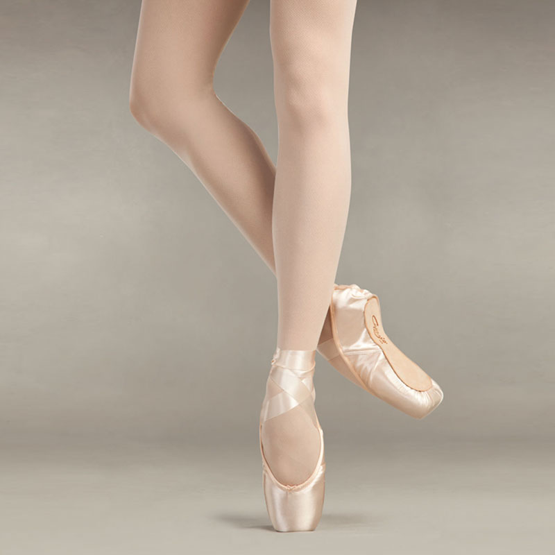 ballet-body-sculpture-style-point-shoes