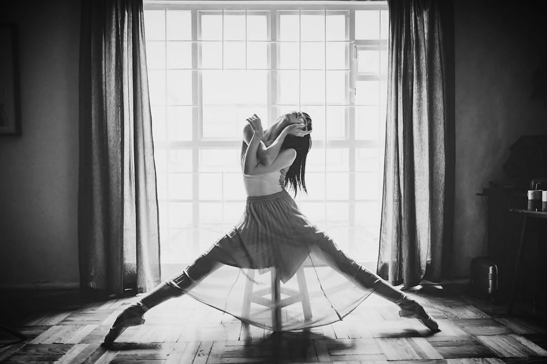 ballet-body-sculpture-self-reflection