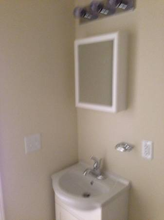 bathroom small.jpg