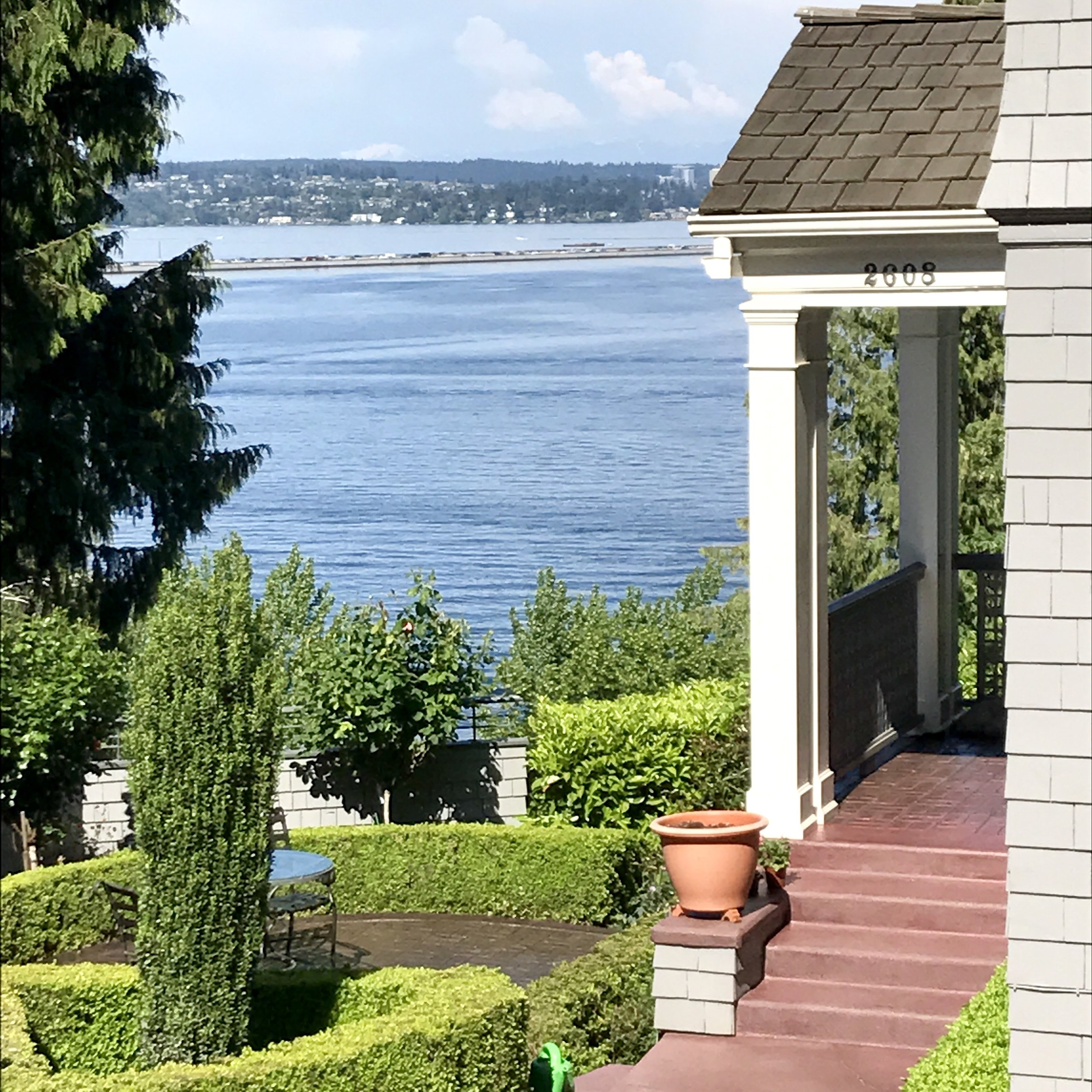House - lake view.jpg