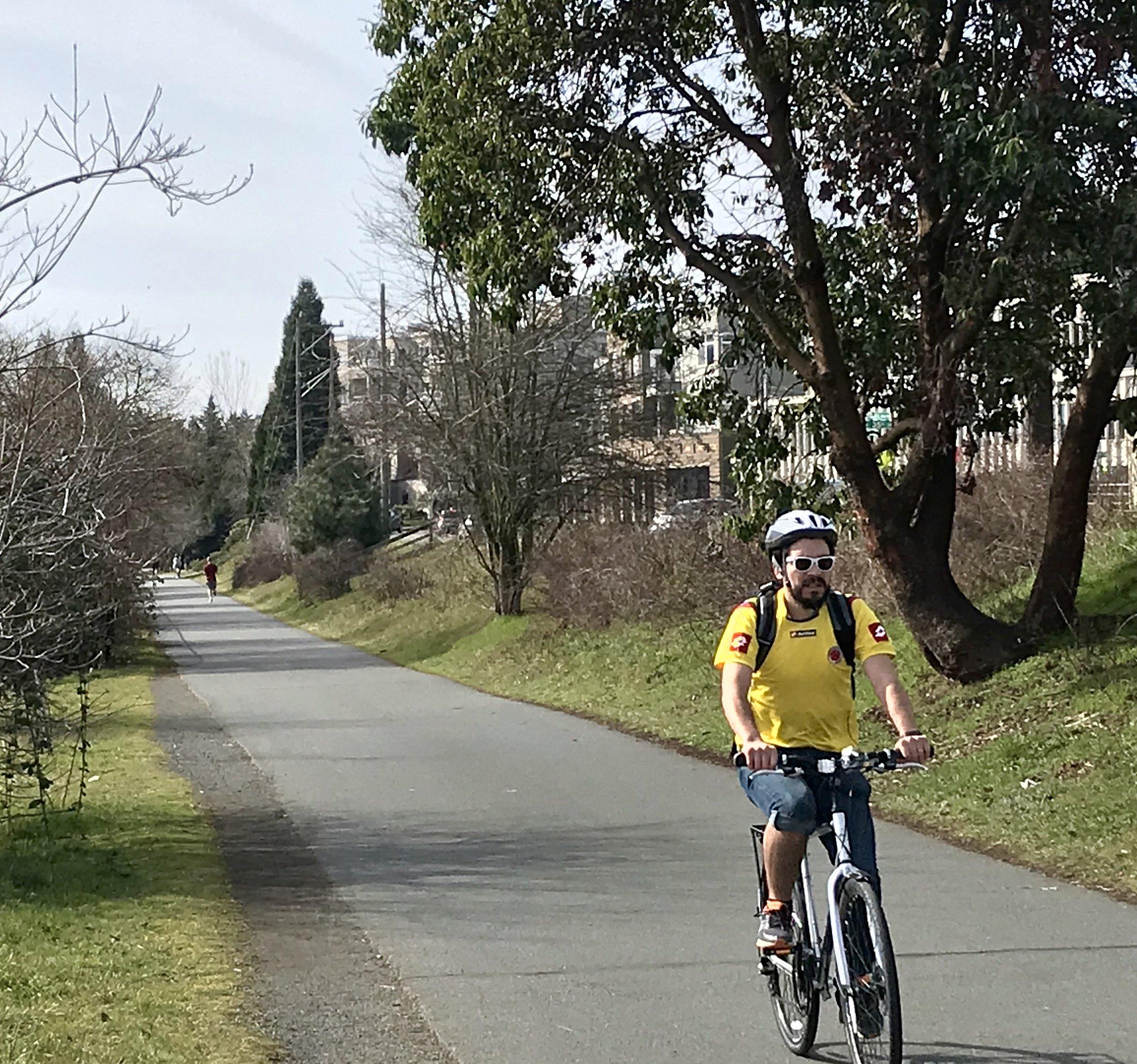 Burke Gilman Yellow Biker.jpg
