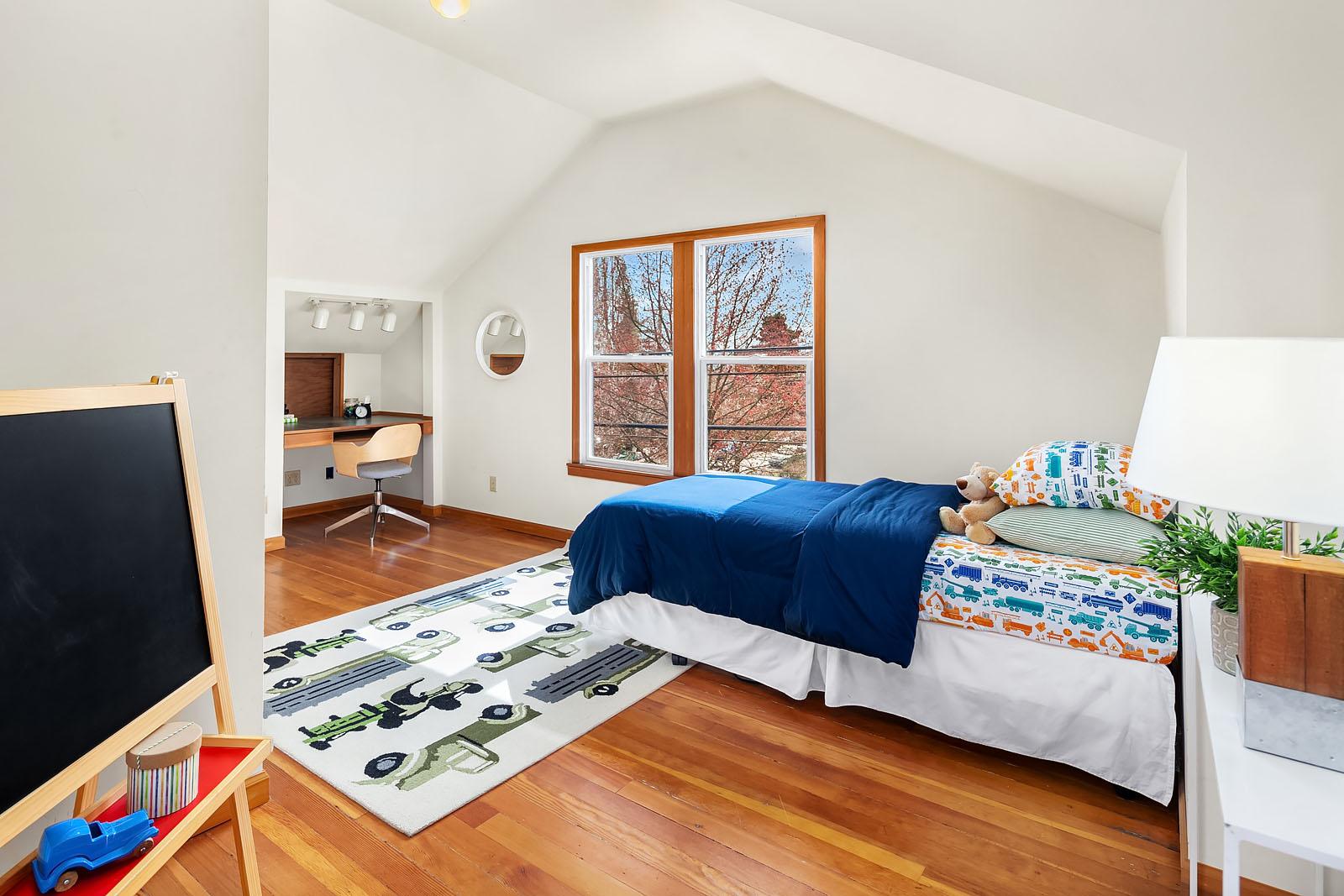 bedroom south_web.jpg