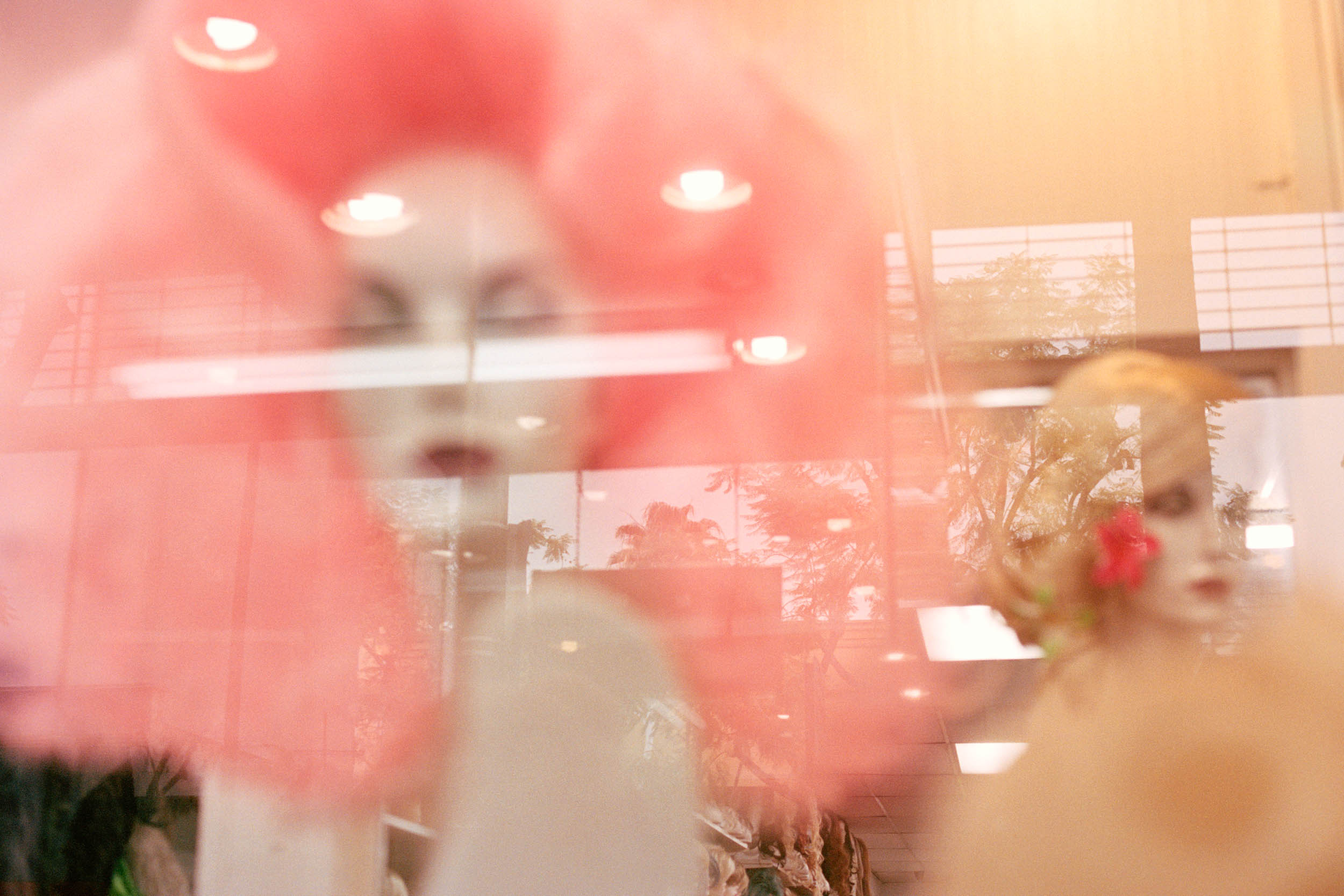 07LA 18 250028_documentary photographer, documentary scotland, freelance photographer, photographer edinburgh, photographer scotland, glasgow, mat hay, photographer london, L.A., california, los angelese, london, sunset strip, sunset boulevard.jpg