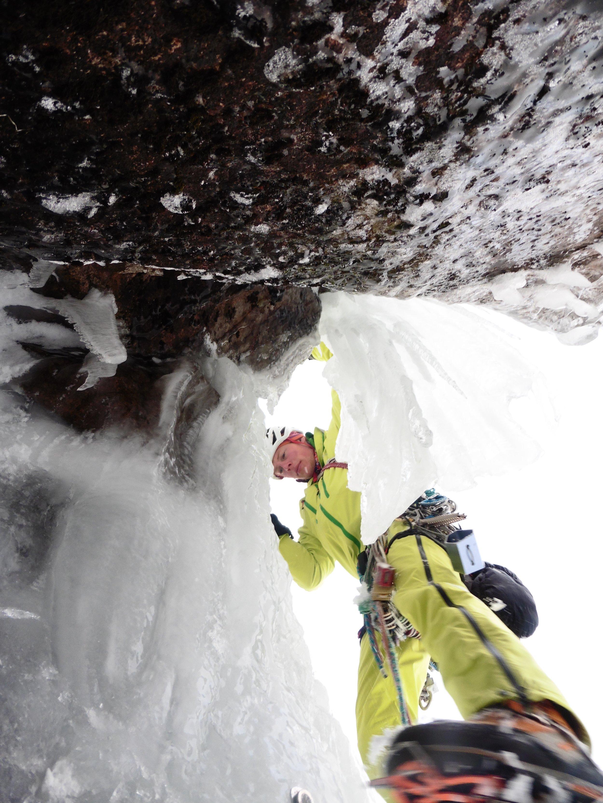 The Vaporiser (VIII, 8). Second ascent. Photo: Uisdean Hawthorn