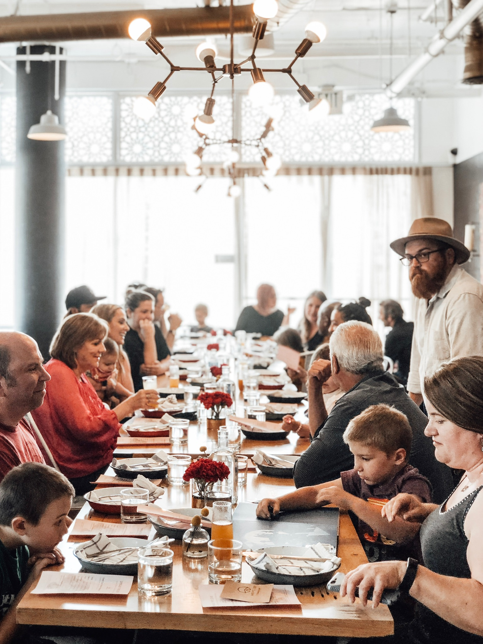 CONNECTING ANGELENOS AT THE TABLE