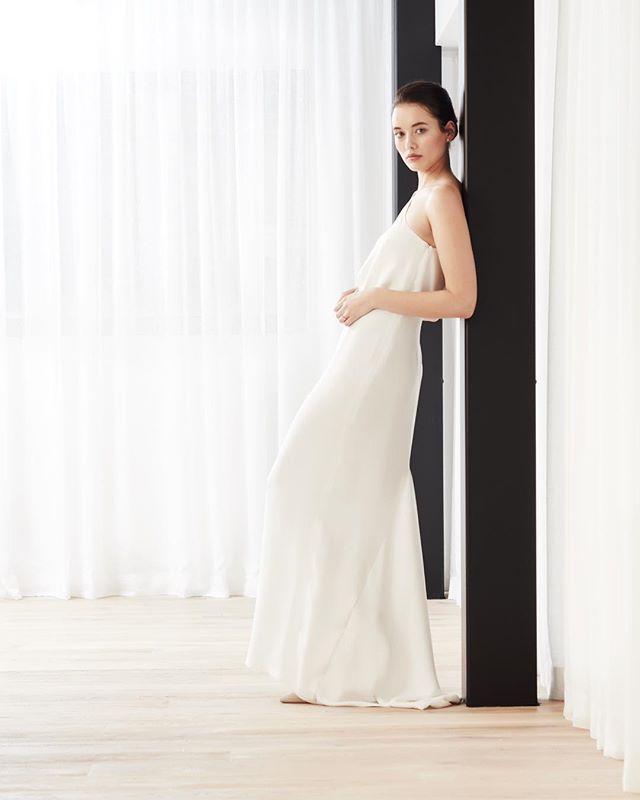 @juliettehoganbridal 😍 Model: Zoe at @uniquemodelmanagement  HMU: @josie_wignall_makeupartist  #juliettehoganbridal #juliettehogan