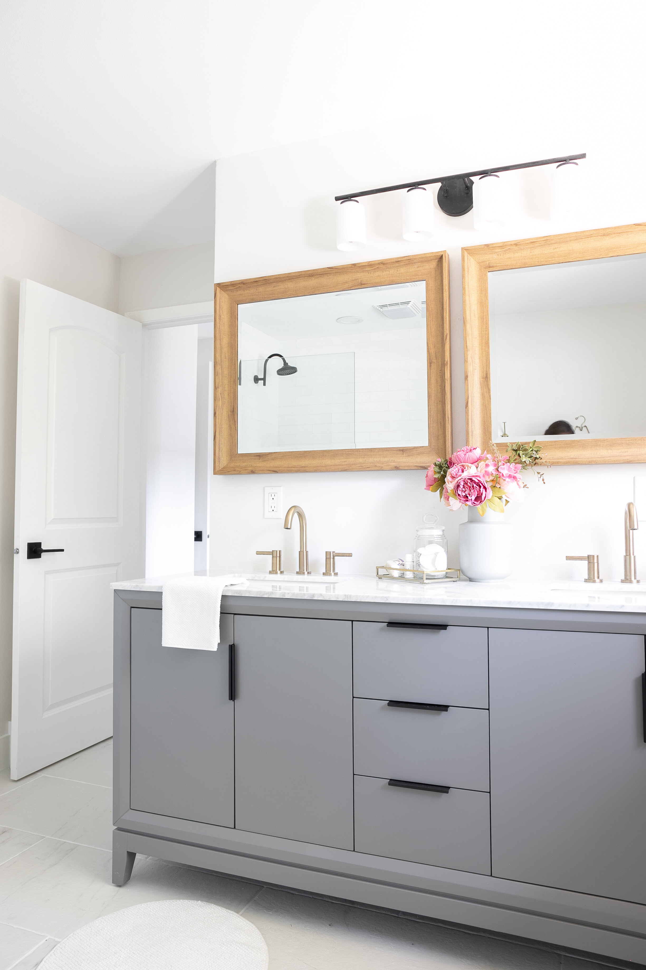 Vanity:  Wayfair  | Faucets:  Lowes