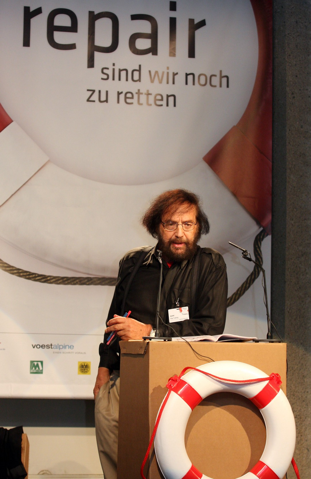 Frithjof Bergmann speaks at the Repair Conference. Source:  Ars Electronica