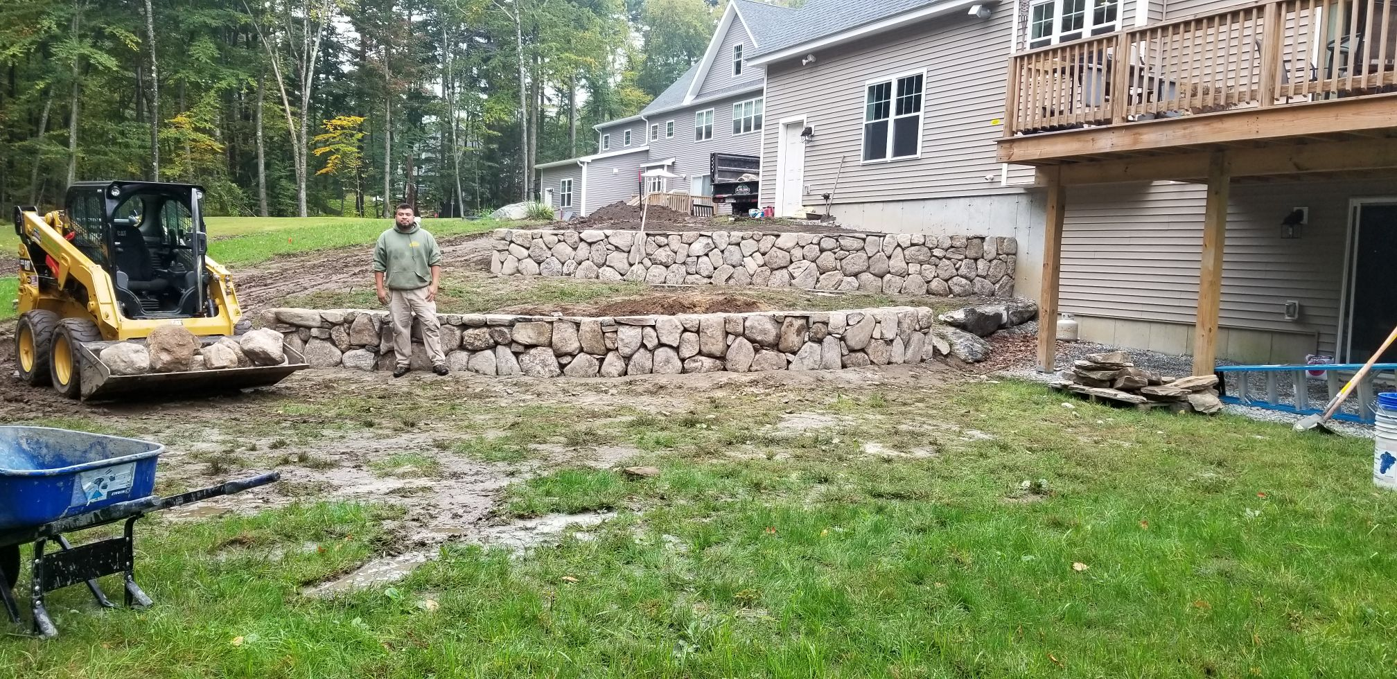 Multi level rock wall