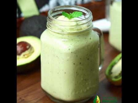 avocado kiwi smoothie VIDEO