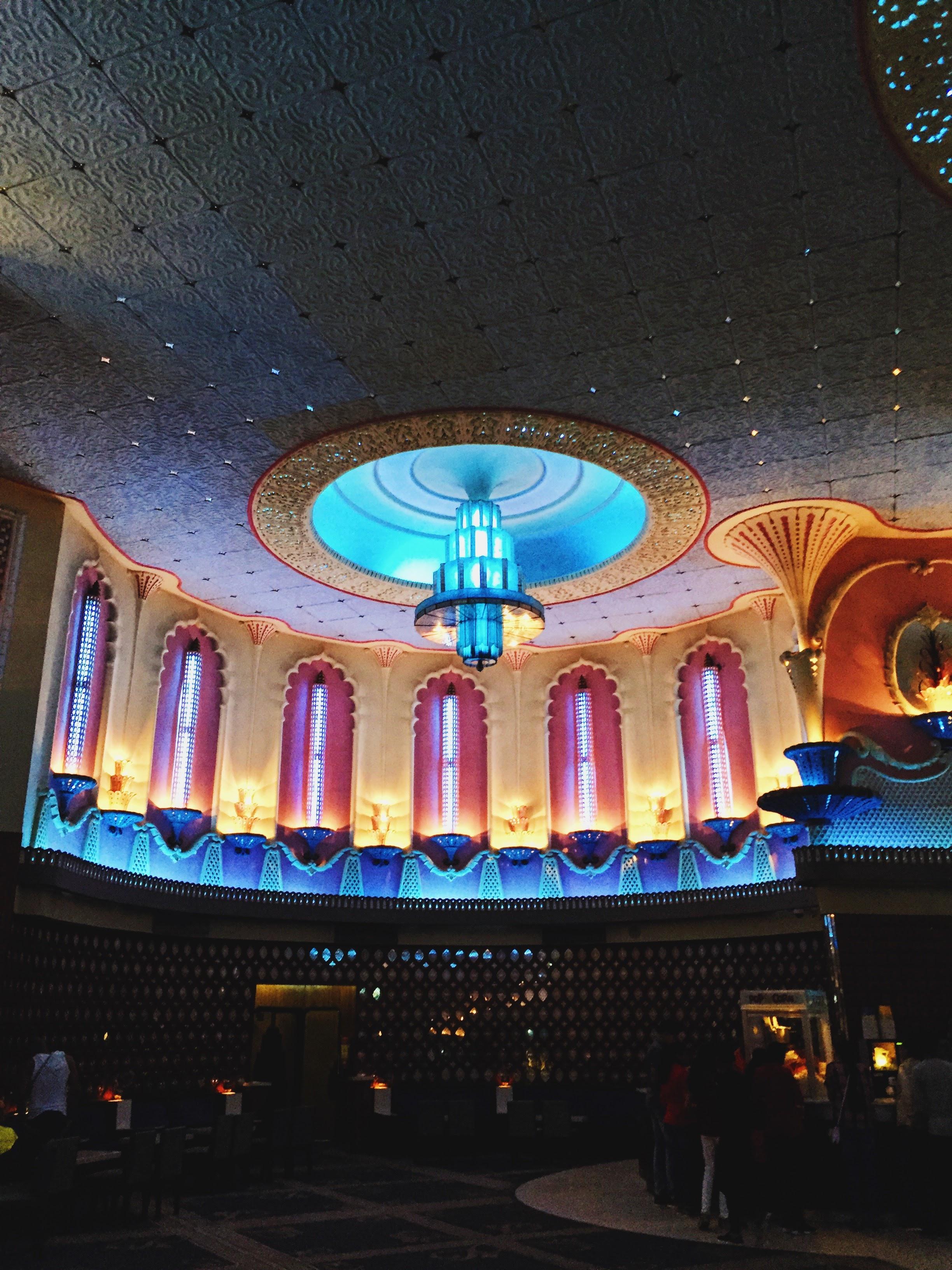 The McHowe World Tour - Part II- Jaipur the Pink City - Raj Mandir bollywood movie theater