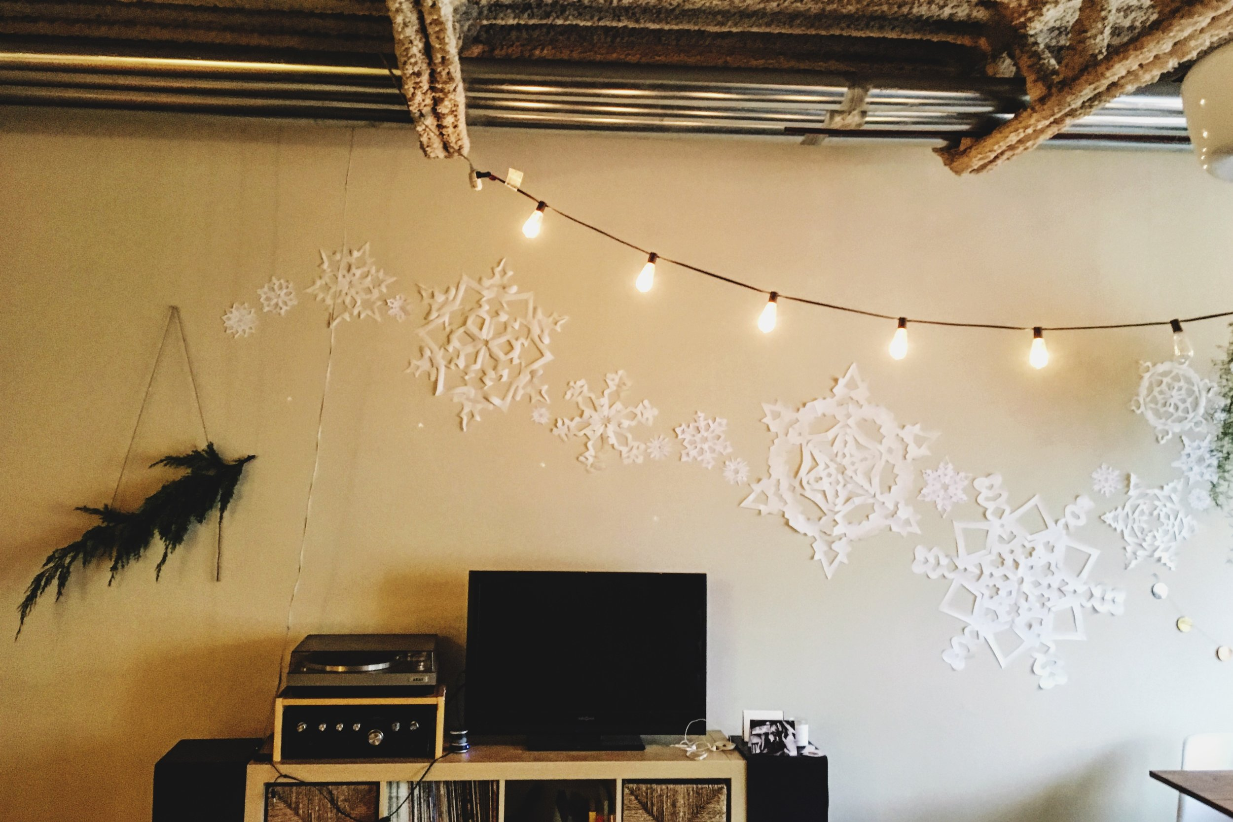 DIY Giant Snowflake wall decor for the holidays