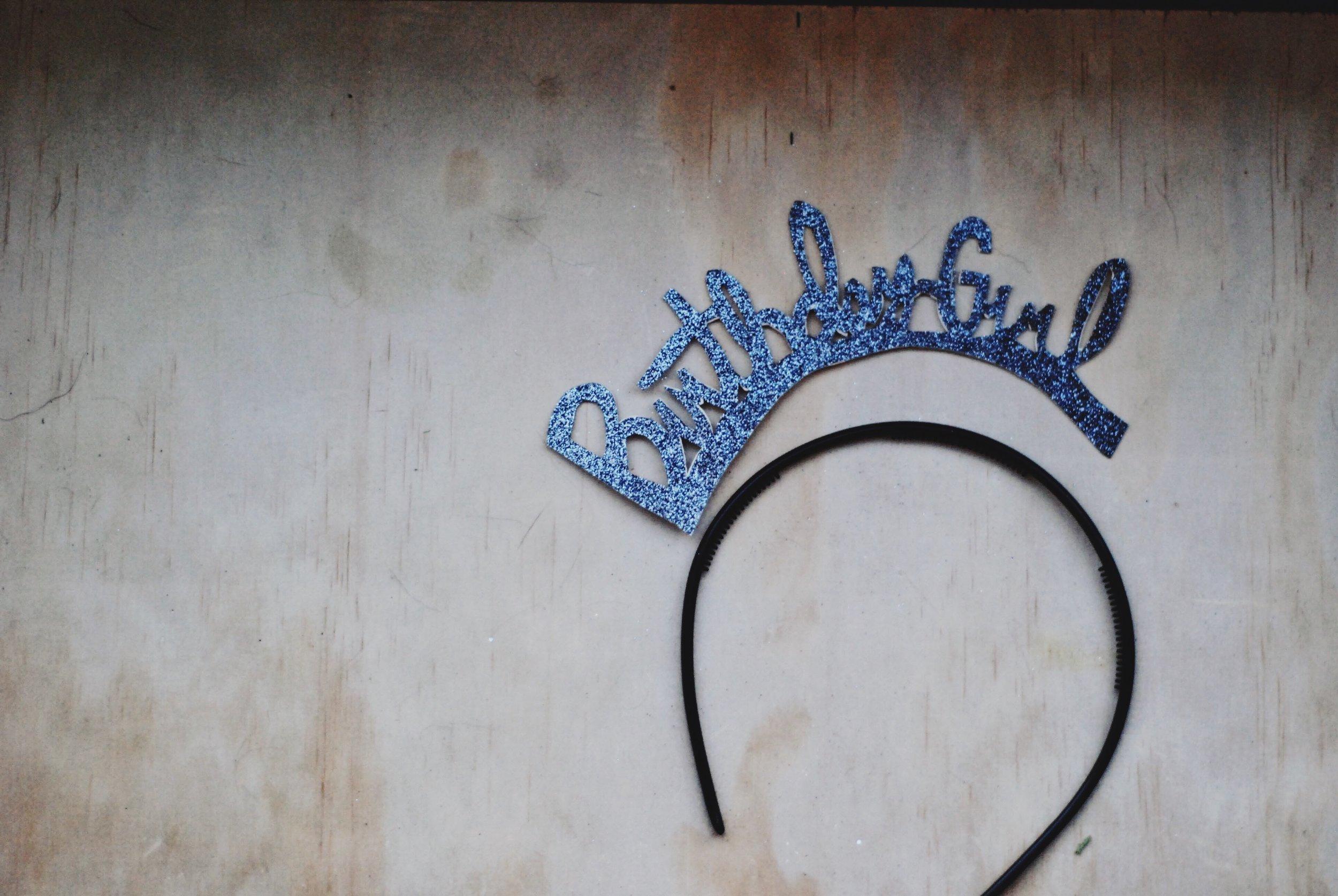 DIY sparkling + stars birthday girl crown on living foreva