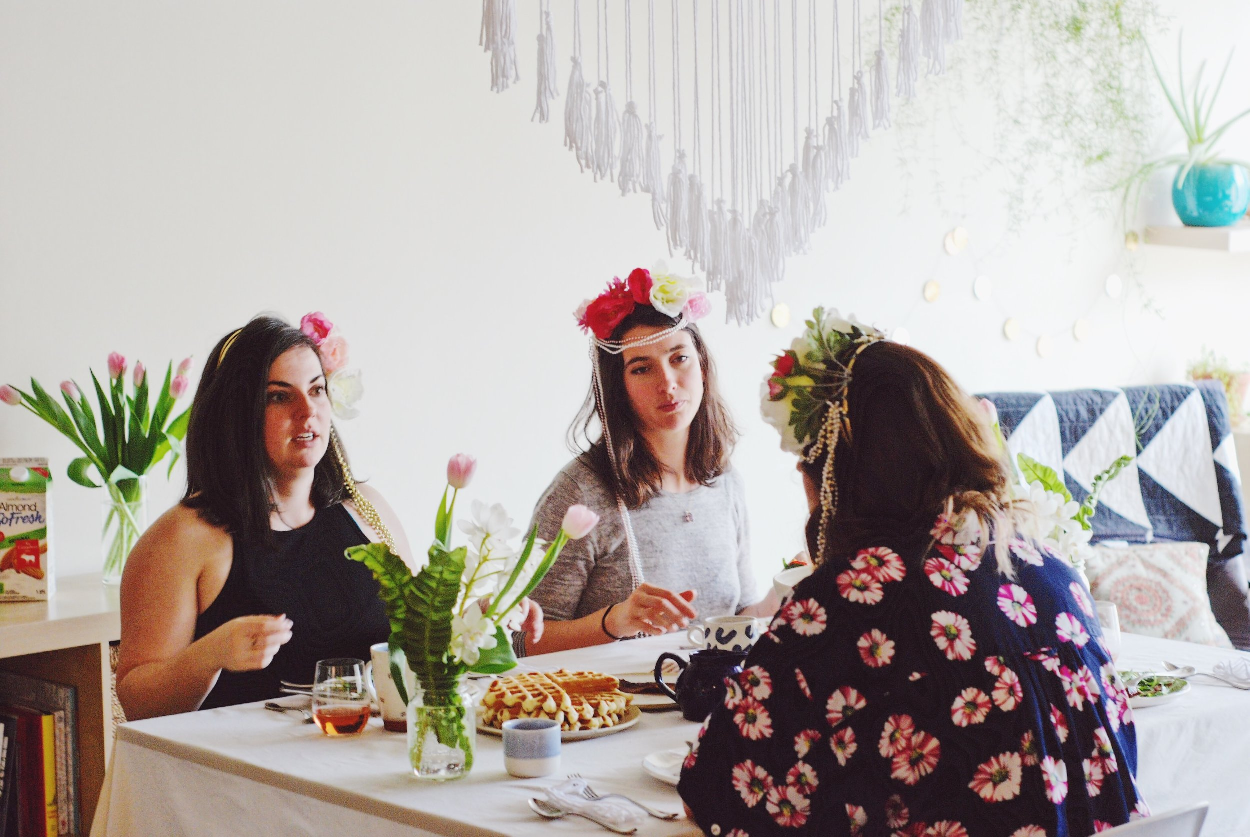 Goddess brunch with Joy the Baker waffles, spinach and strawberry salad, champagne and Livia Sweets lemon tart // macrame hanging + flower crowns