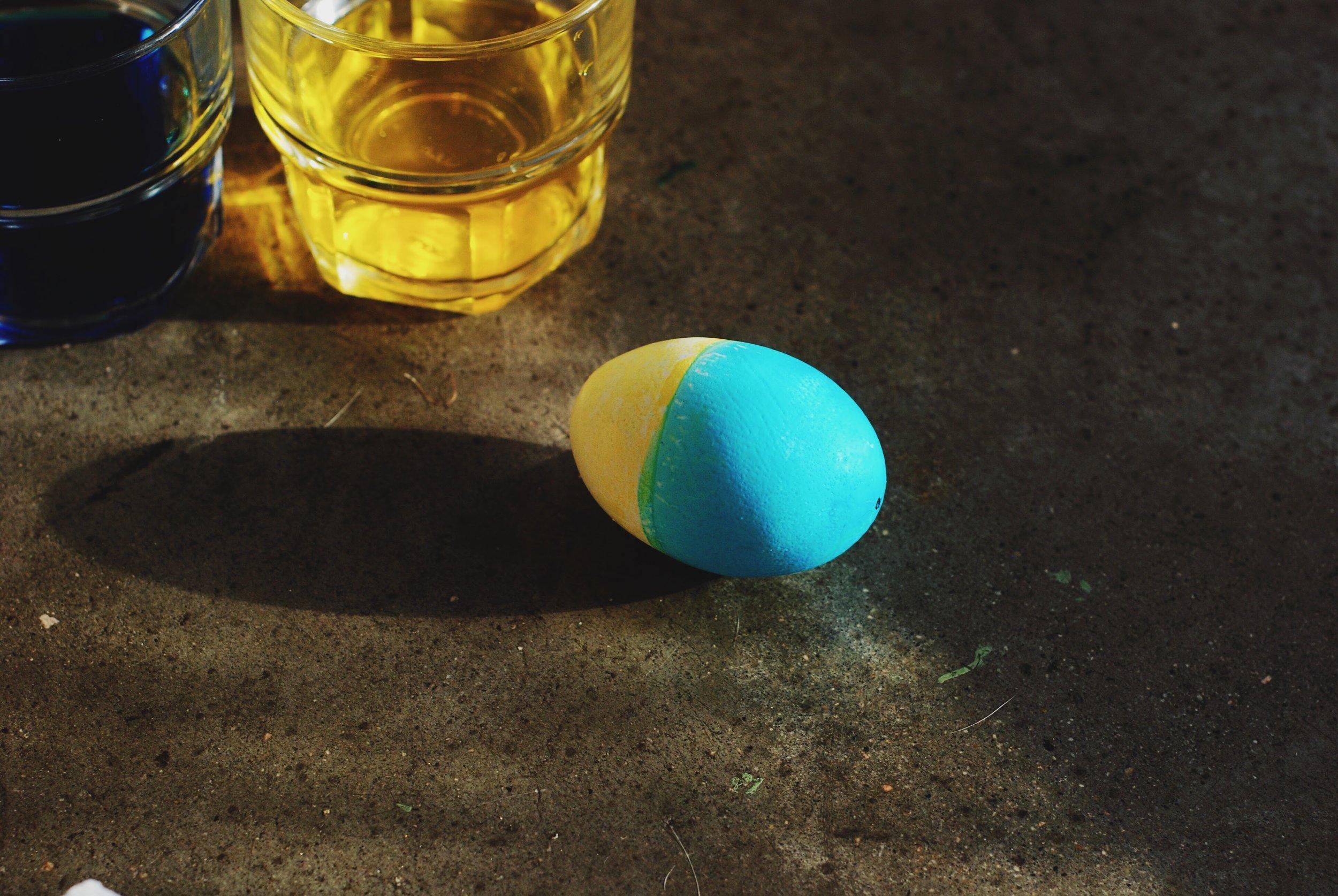 Anthropologie-inspired Sunshine + Ocean Easter Eggs