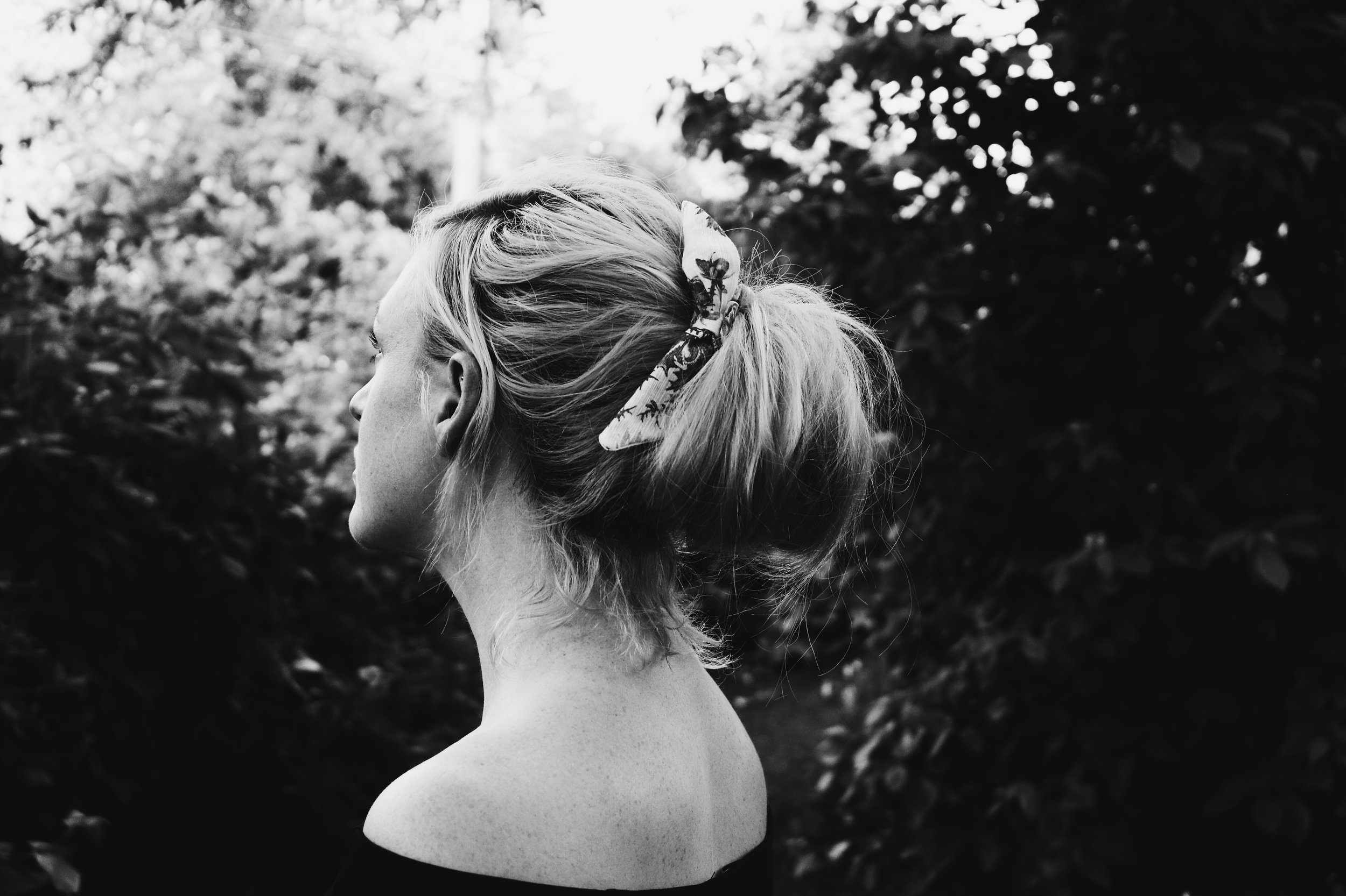 The Easiest Hairdo // The Best Scrunchie of My Life