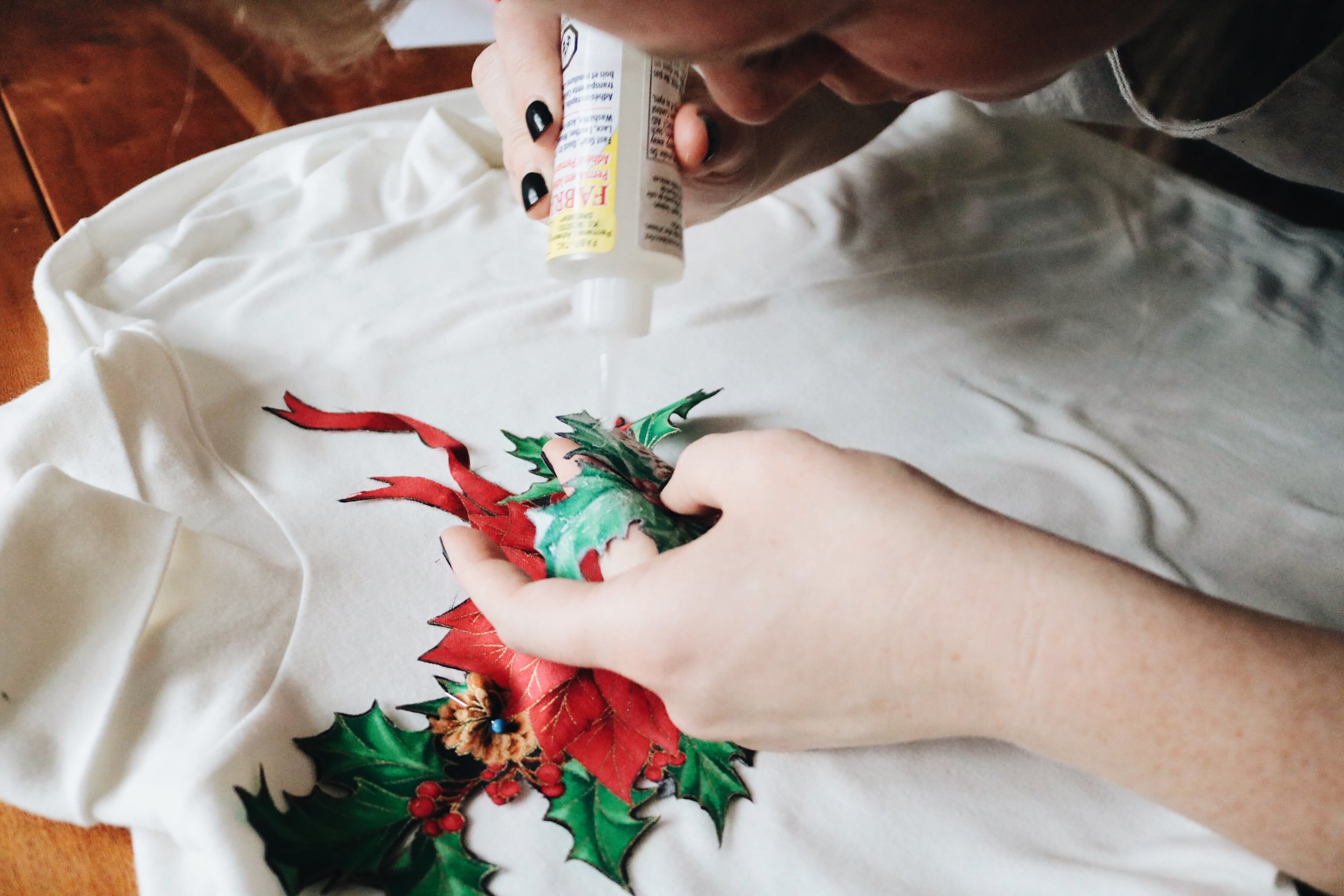 Fabric gluing on Christmas fabric Appliqué for ugly Christmas turtleneck