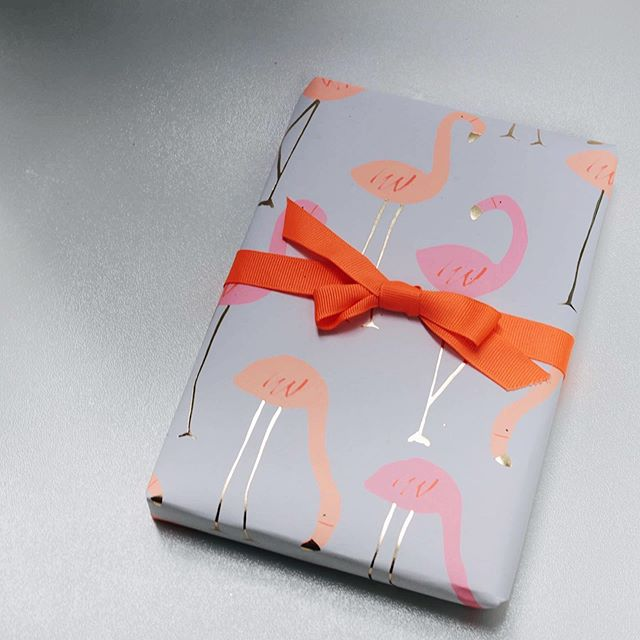 A sunny long weekend? A bright golden gift. . . . . . . . #giftwrap #theartofgiving #orange #dscolor #design #merimeri #partypaper #flamingo #abmlifeiscolorful #thatsdarling #vscofilter