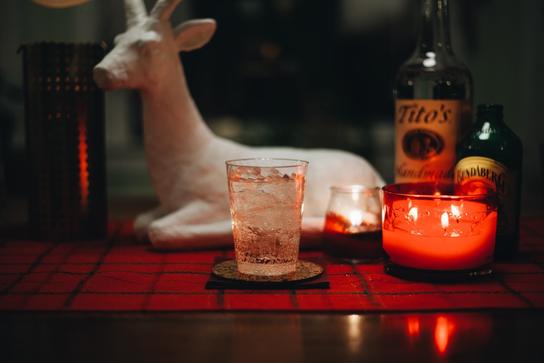 Tito's Moscow Mule - 1.5 oz Tito's Handmade Vodka0.5 oz fresh squeezed lime juice3 oz ginger beer