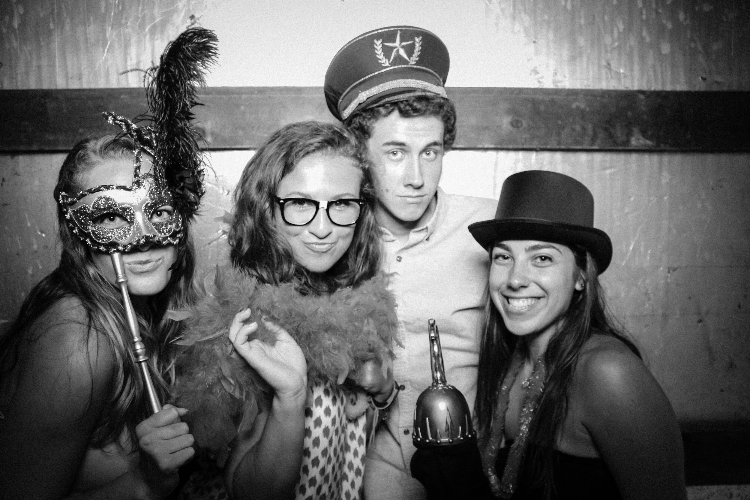 Grad Party 6-3-751.jpg