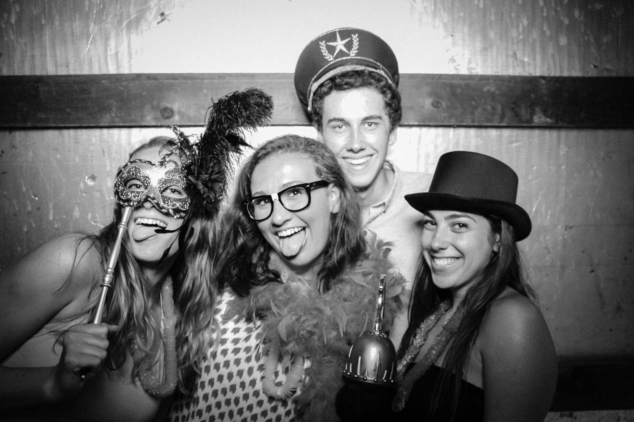 Grad Party 6-3-752.jpg