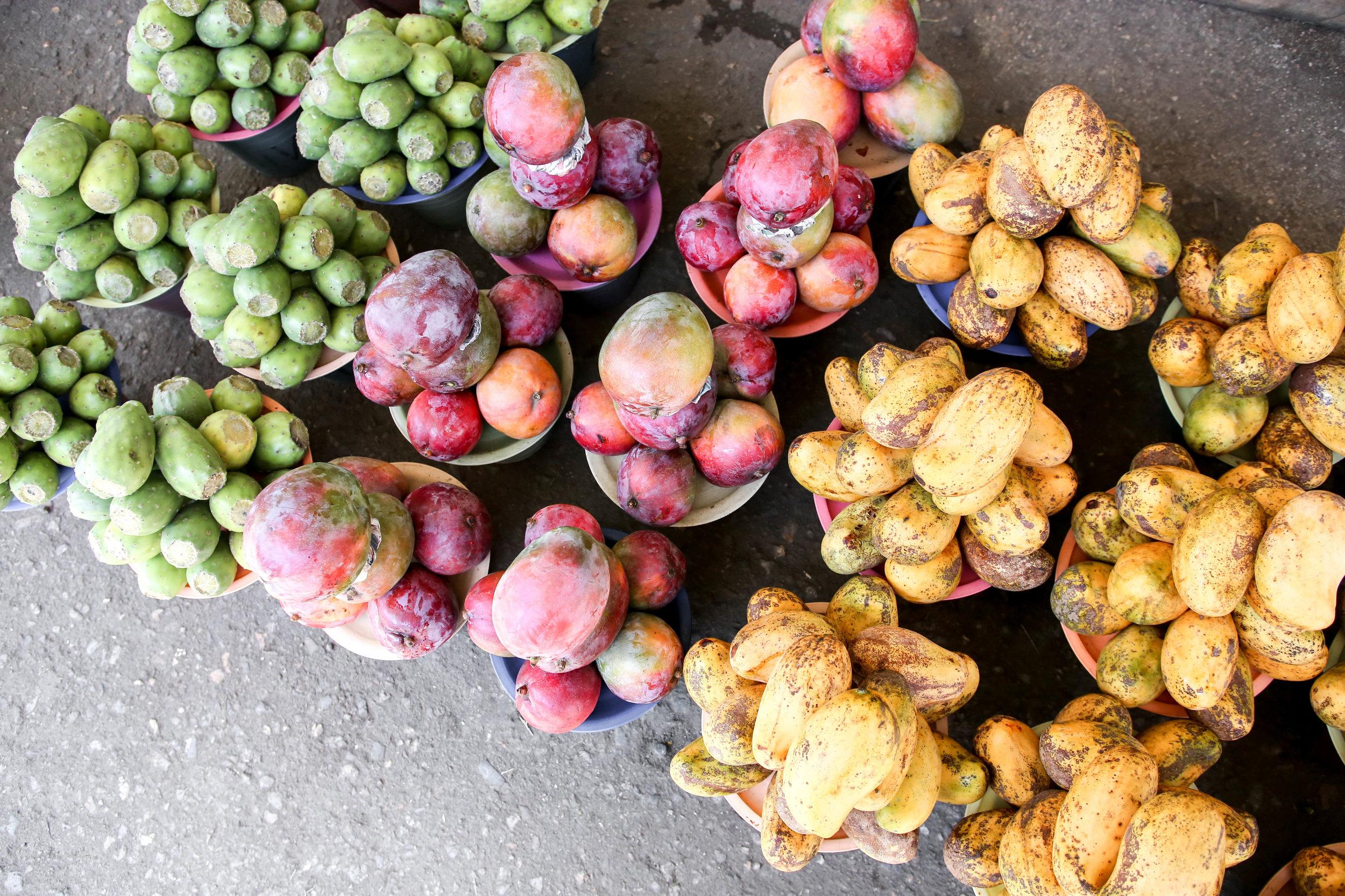 Tuna (cactus fruit), mangoes at Central de Abastos. Oaxaca,   México.