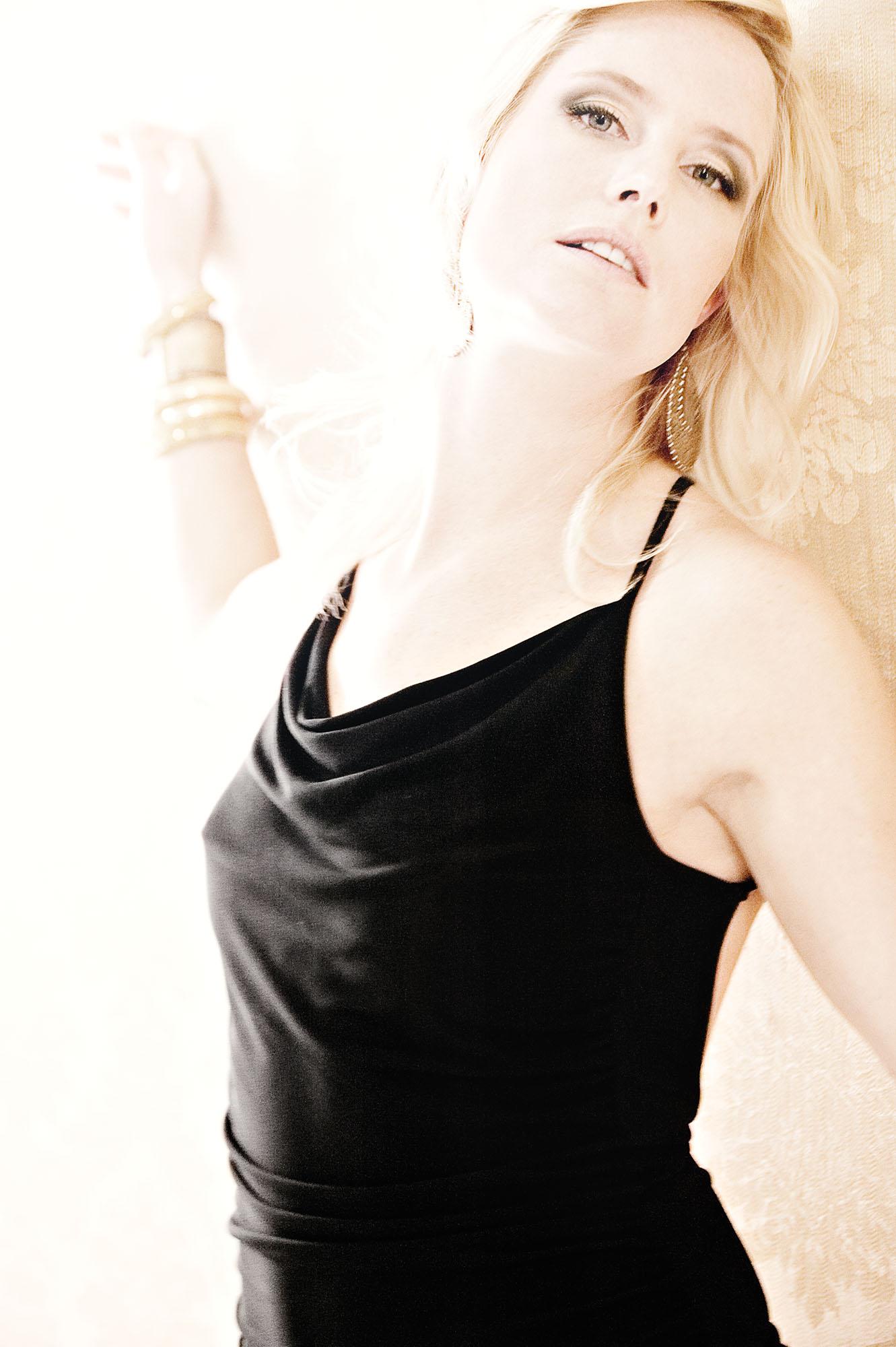 Elin-Fashion-Shoot_Retouched.jpg