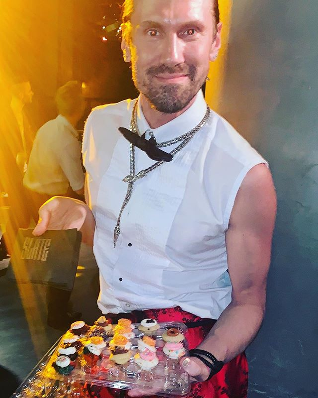Serving you delicious treats last night at our  1st Queer Prom at Slate. Cupcakes generously donated by @bakedbymelissa  Everyone was a different design and favor! 🤯🧁🤤🥰🏳️🌈 #queerprom2019 #guysocial #bakedbymelissa #gaypride #worldpride2019 #slatenyc #tastydessert #cupcakes