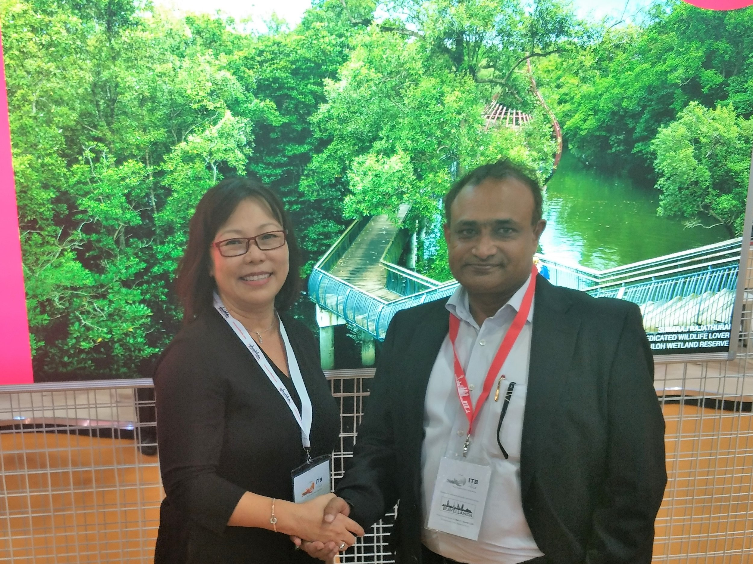 From left to right:  Ms Serene Law (VP, FLA), Mr Balaji Narayanan (Director - Sales, Millennium Tours & Travel).