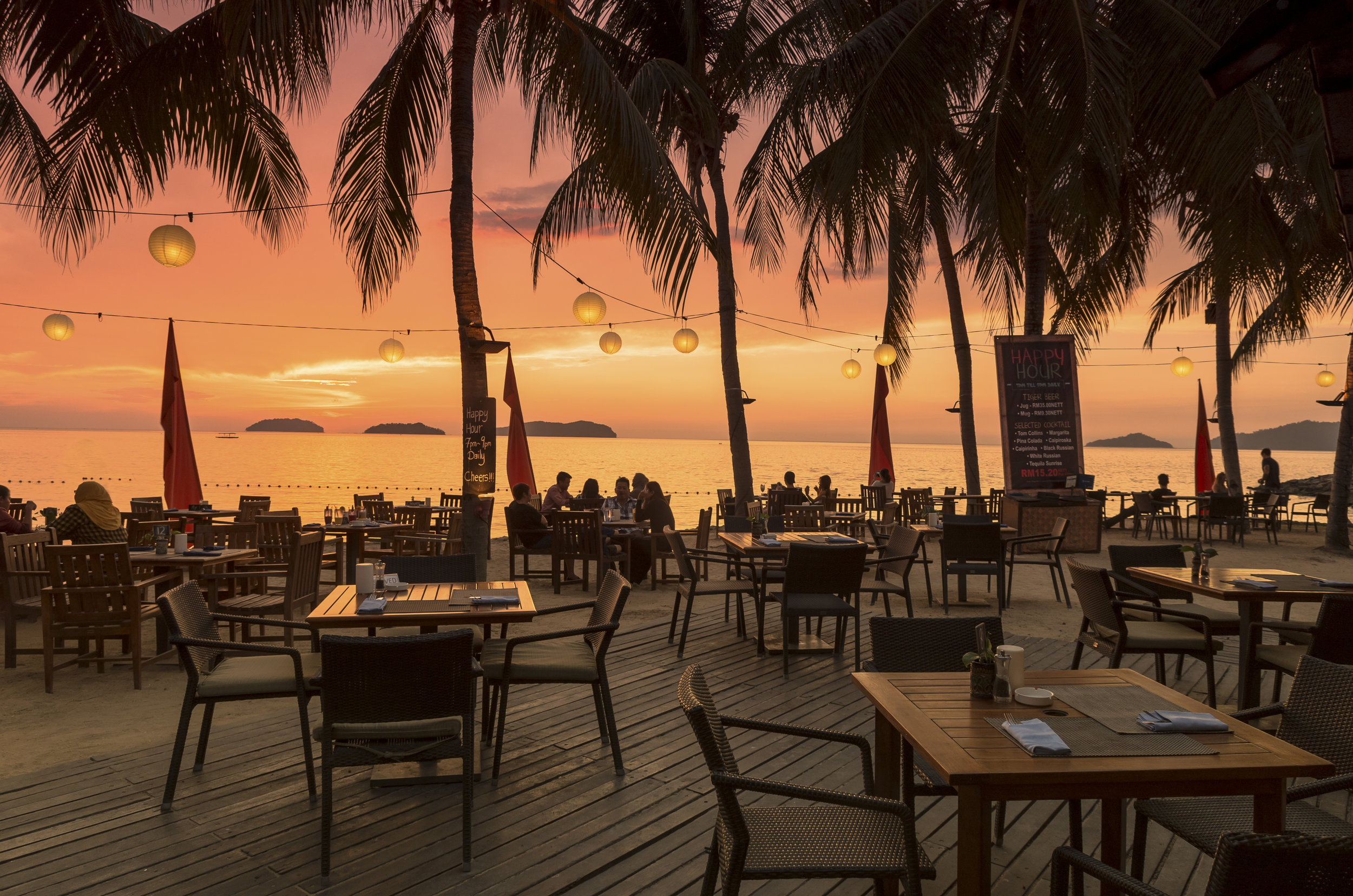 The Pacific Sutera Hotel_The Breeze Beach Club.jpg