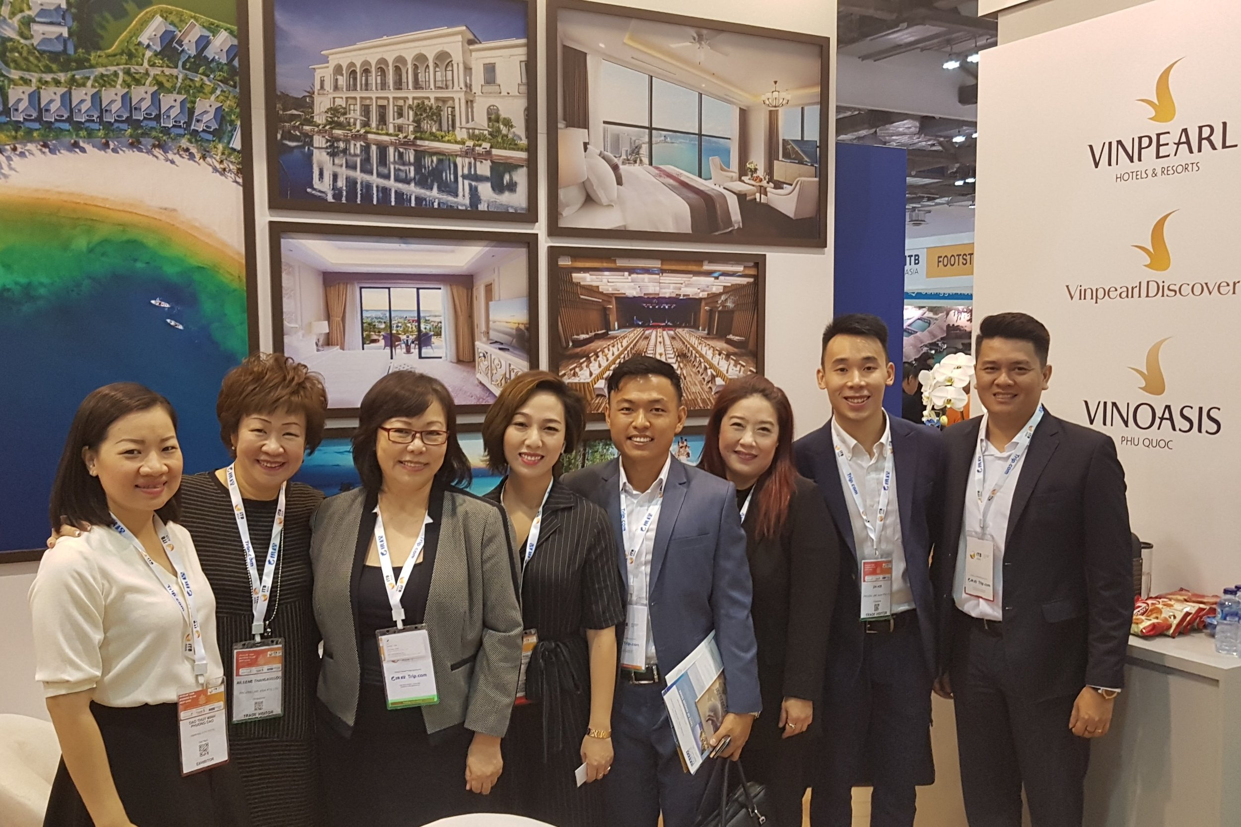 From left to right:  Ms Dao Thut (Vinpearl), Ms Aileene Thangaveloo (FLA), Ms Serene Law (FLA), Ms Vu Duc Toan (Vinpearl), Mr Leonard Chiang (FLA), Ms Bernice Heng (Vinpearl), Mr Pow Zhi Hoe (FLA), Mr Vu Duc Toan (Vinpearl).