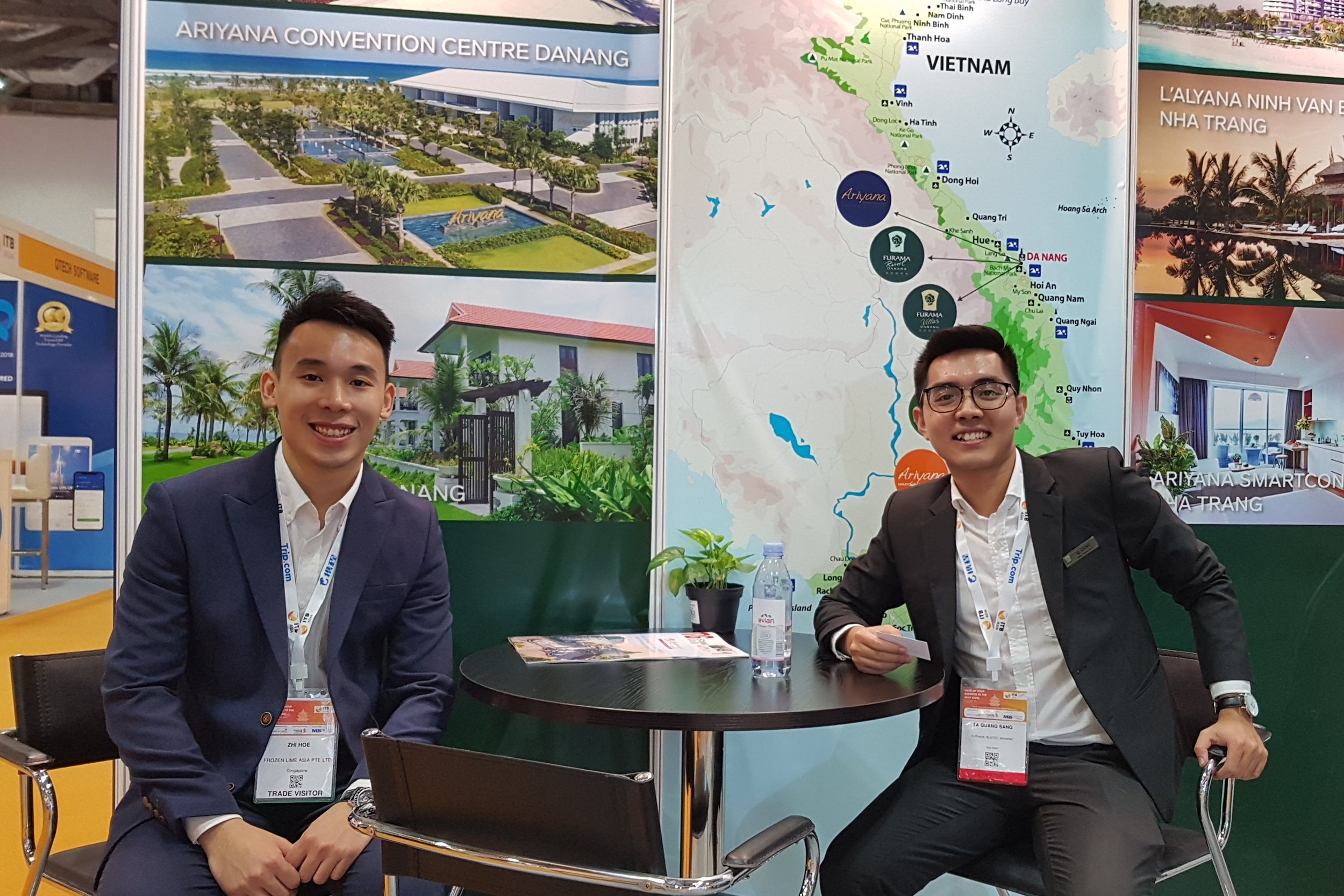 From left to right:  Mr Pow Zhi Hoe (FLA) and Mr Ta Quang Sang (Furama Resort Danang).