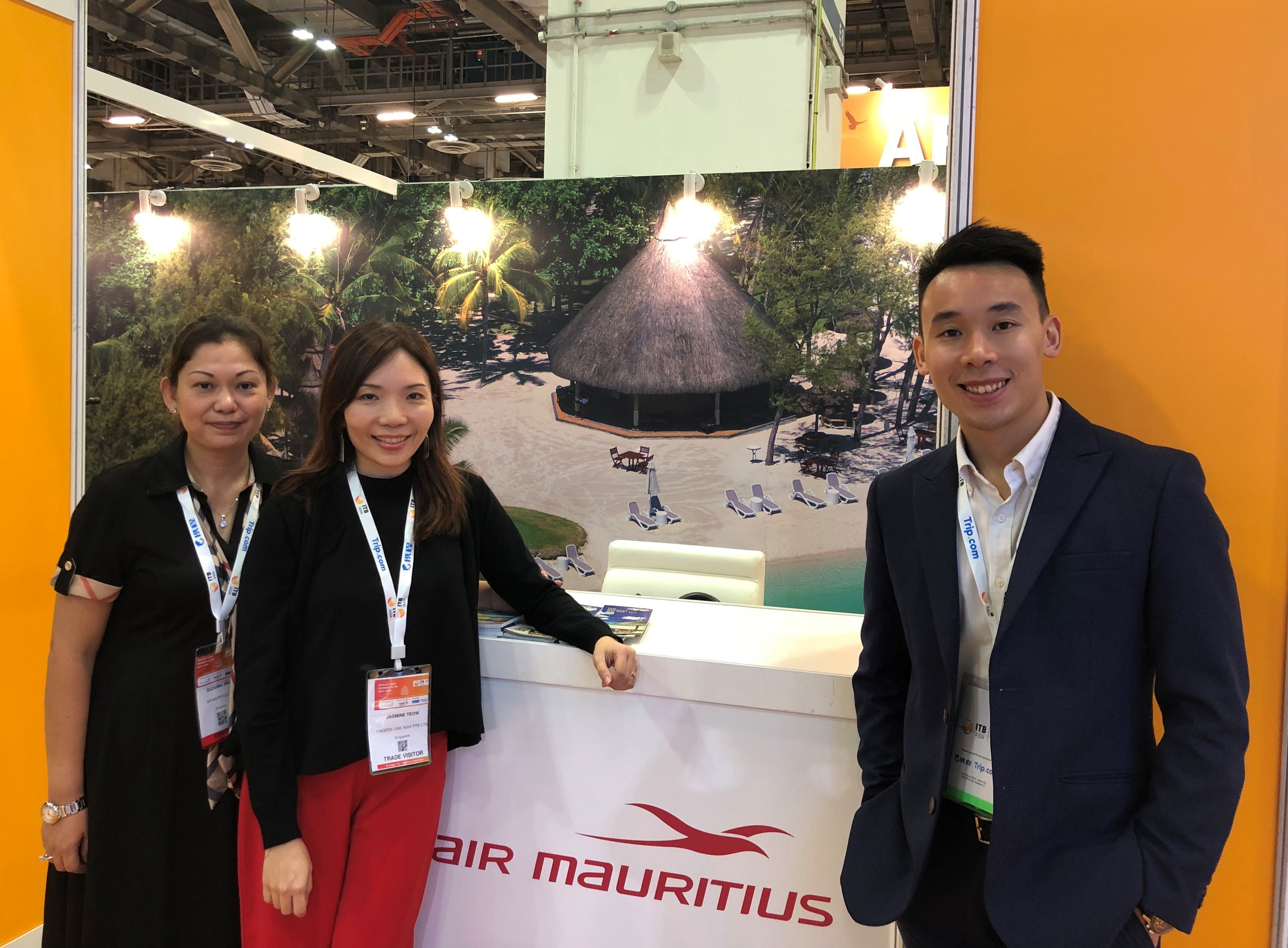 From left to right: Ms Suzanna Ong (Air Mauritius), Ms Jasmine Teow (FLA), Mr Pow Zhi Hoe (FLA).