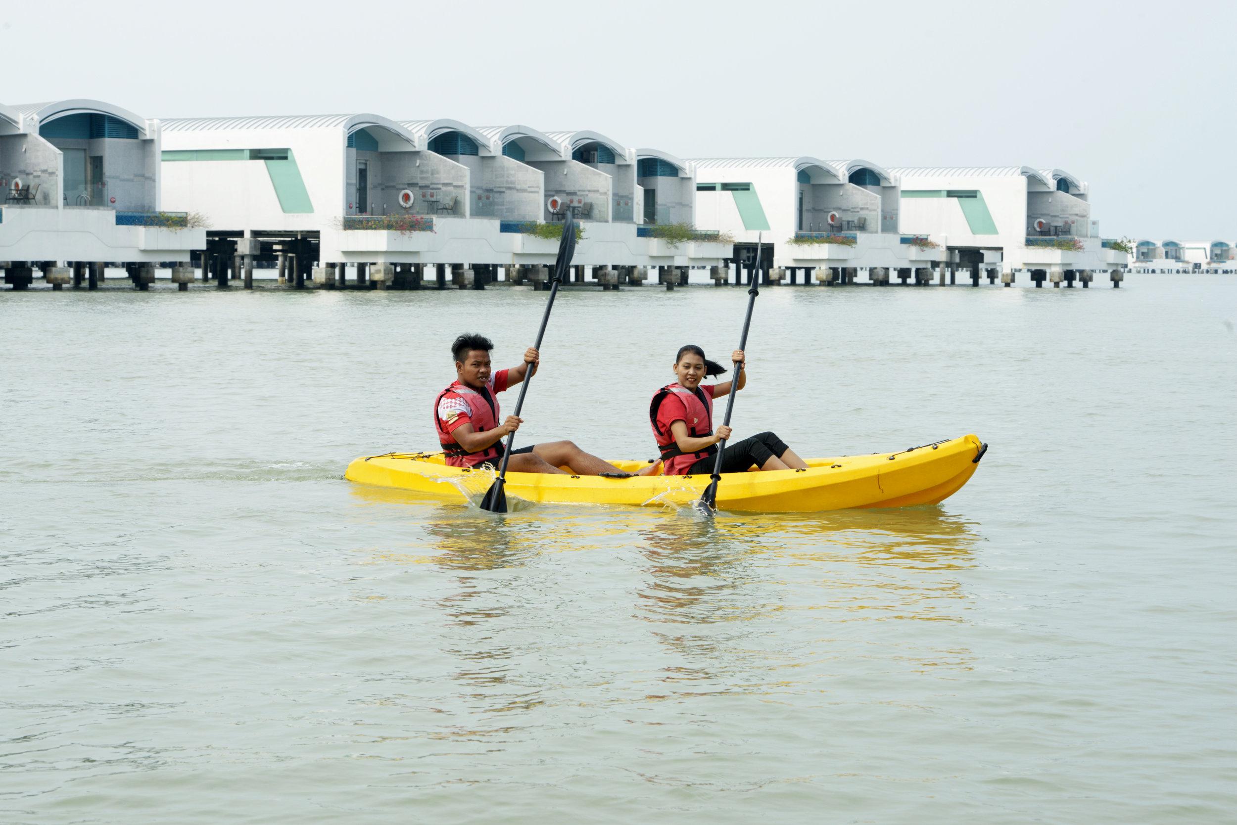 EE. Sports & Recreation - Kayak.JPG