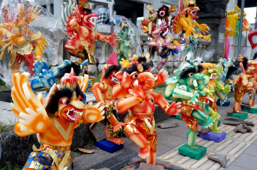 Prepping-for-the-festival-Miniature-Ogoh-Ogohs-are-sold-in-the-streets-of-Denpasar-1024x680.jpg