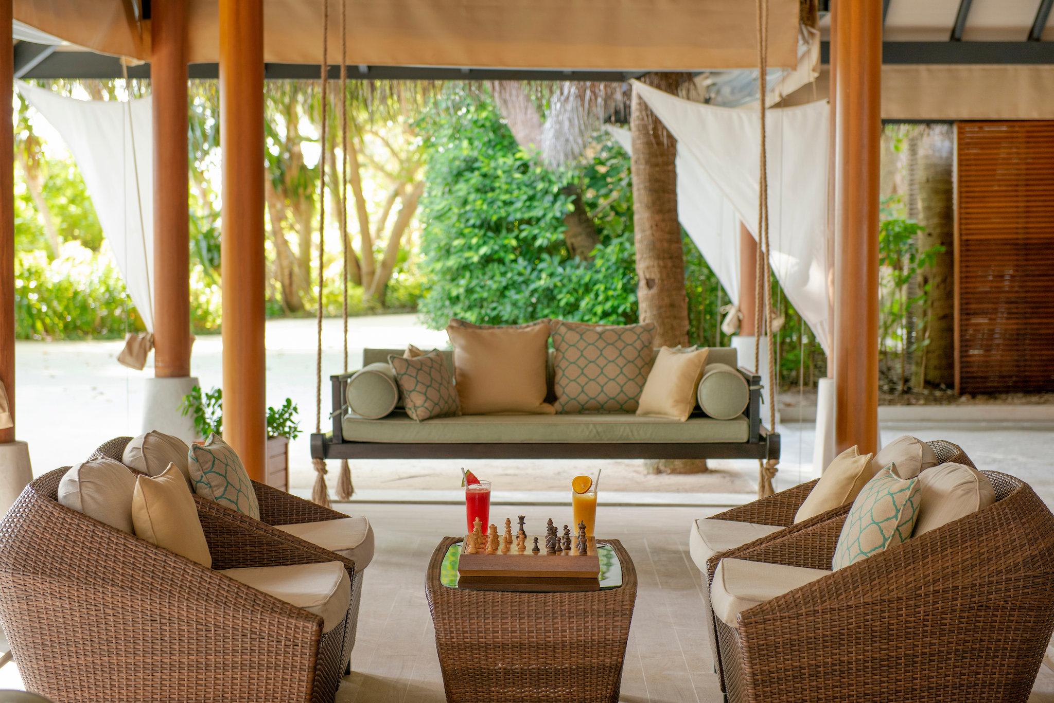 Baros_Maldives_Sails_Bar_Lounge_S.jpg