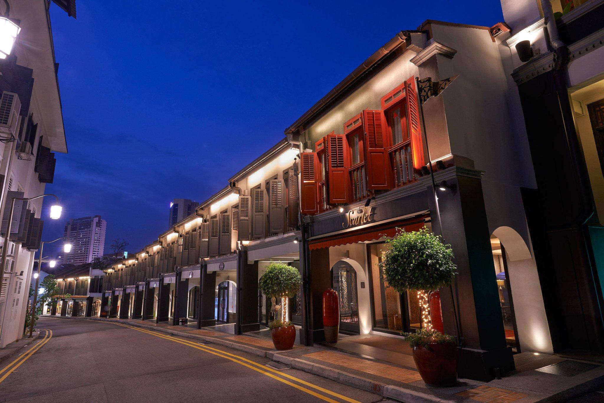 1._Hotel_Exterior_(Night)_S (1).jpg