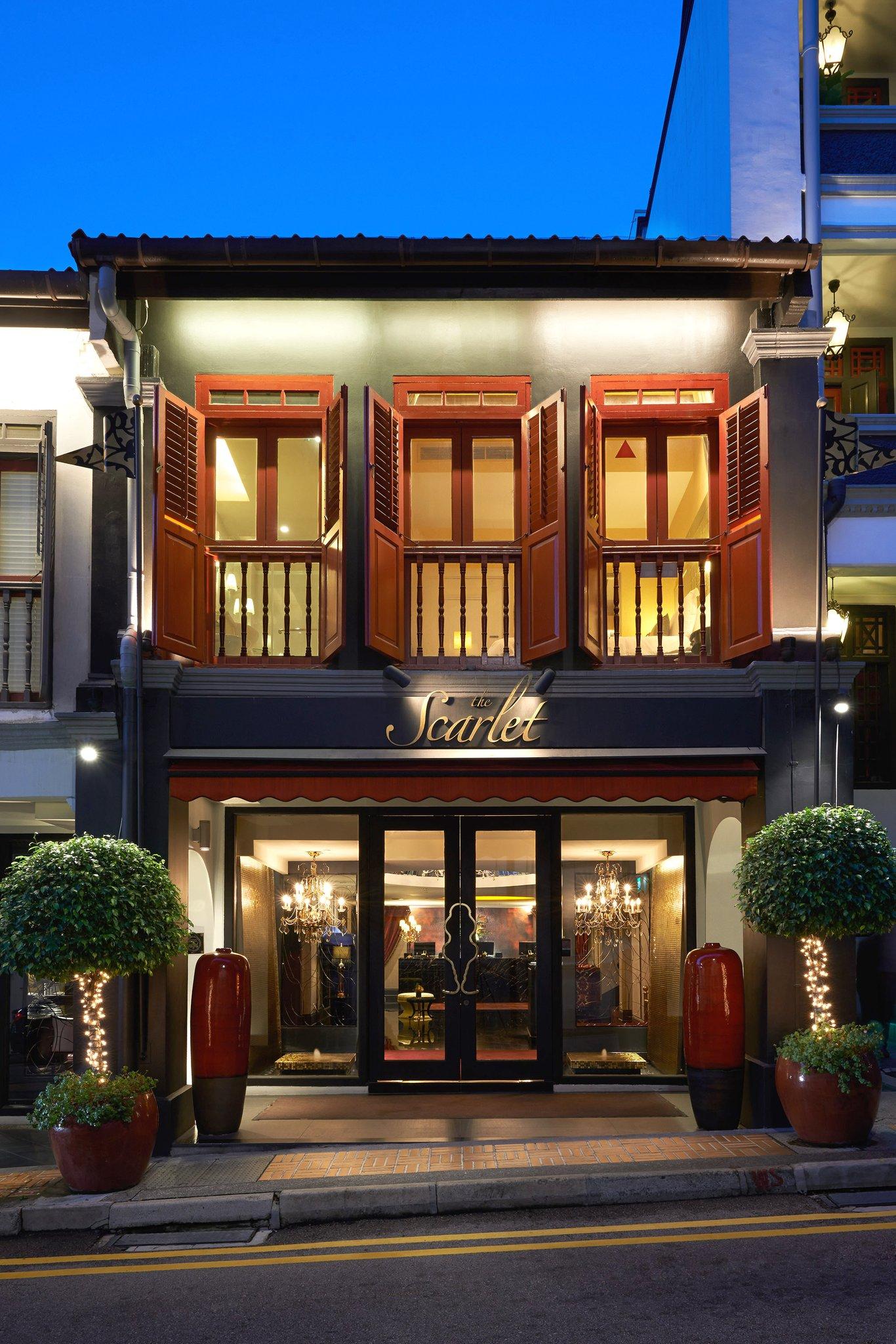 2._Hotel_Entrance_S.jpg