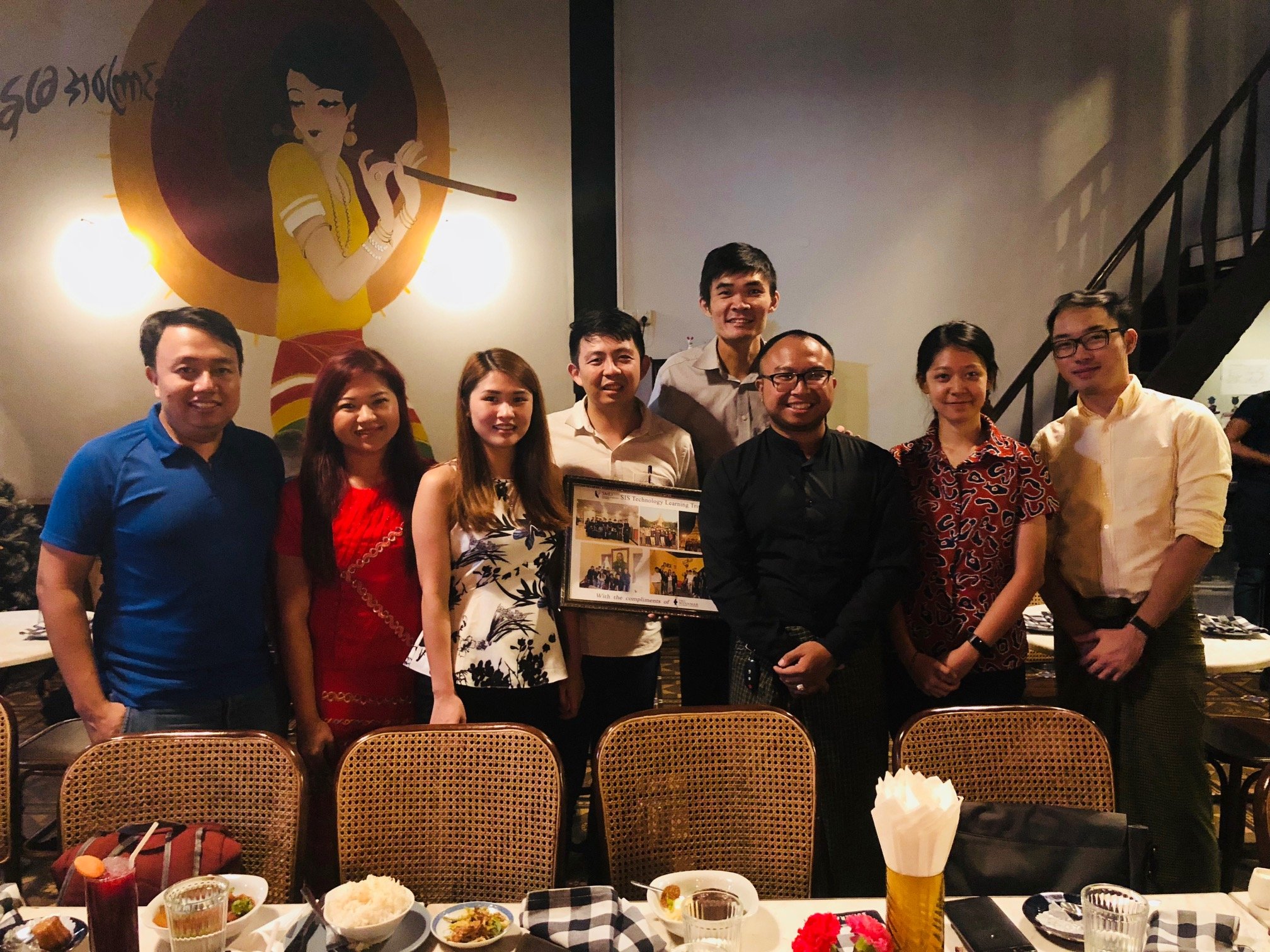 SMU MAC team with Prof Lee Yeow Leong on Dec 13, 2017.jpg