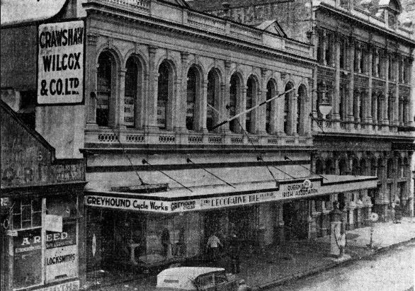 The Queensland Irish Club building in 1937.
