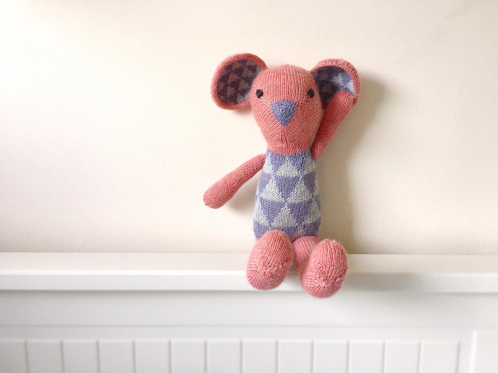 Mimi's (mimicodd on Ravelry) Alex the Mouse